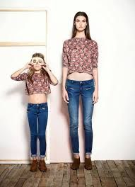 mom and daughter jeans and tshirt