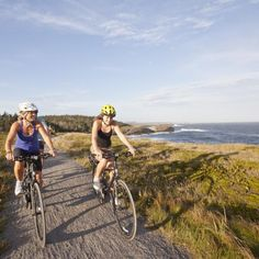 A cycling vacation is the perfect way to savor Nova Scotia and its stunning seaside scenery. Cycling Holiday, Holiday Travel, Cape Breton, Commuter Bike, Cool Bike Accessories, Cycling Workout, Bike Trails, Nova Scotia, Mountain Biking
