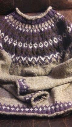 Riddari Pattern Icelandic Sweater
