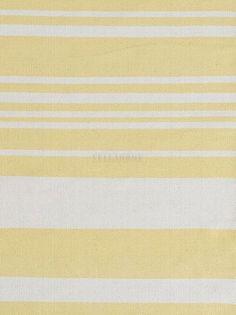 Dywan Glorious Yellow to nowość z kolekcji Essentials 2014 Linie Design. Prosty dywanik w białe o naturalnym odcieniu (ecru) i żółte poprzeczne pasy z wysokiej jakości bawełny. Dywanik jest miękki i przyjemny w dotyku. Dywanik ten doskonale nadaje się do kuchni, przedpokoju czy też innego wnętrza urządzonego w skandynawskim klimacie, prostych i nowoczesnych wnętrz.Do dywanów polecamy maty antypoślizgowe.Wszystkie dywany marki Linie Design posiadają 2-letnią gwarancję producenta.Sposób…