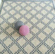 Diy Crochet Rug, Knit Rug, Crochet Carpet, Crochet Quilt, Tapestry Crochet, Crochet Home, Filet Crochet, Knit Pillow, Crochet Shawl