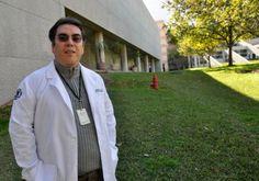 Humberto Lara Villegas, investigador de la UDEM. - Científicos de las universidades de Monterrey y Texas desarrollan gel que supliría al condón.