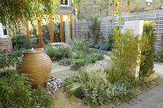 Modern Urban Garden Design Ideas to Try in 2017 Small Garden Designs No Grass, Small Urban Garden Design, Garden Design London, Small City Garden, Backyard Designs, Backyard Ideas, Garden Ideas, Back Gardens, Small Gardens