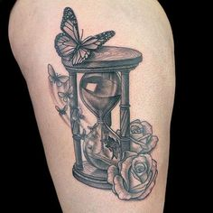 Hourglass Tattoos In 2020 62 Best Hourglass Tattoo Design Ideas with Meaning Forarm Tattoos, 1 Tattoo, Body Art Tattoos, Sleeve Tattoos, Clock Tattoos, Tattoo Pics, Face Tattoos, Grey Tattoo, Ink Master Tattoos