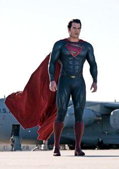 Superman (Kal-El) Man of Steel (Henry Cavill) Mundo Superman, Superman Suit, Superman Henry Cavill, Superman Family, Superman Man Of Steel, Batman Vs Superman, Spiderman, Dc Movies, Comic Movies