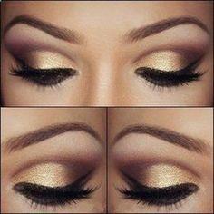 Termina tu maquillaje para los ojos con un delineador negro y unos labios rojos para añadir un poco de drama - See more at: http://www.quinceanera.com/es/maquillaje/10-ideas-para-un-espectacular-maquillaje-de-quinceanera/?utm_source=pinterest&utm_medium=social&utm_campaign=article-121615-es-maquillaje-10-ideas-para-un-espectacular-maquillaje-de-quinceanera#sthash.EOr27HoE.dpuf