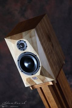 Professional handmade loudspeakers made in Slovakia, Hifi & High End loudspeakers made in Slovakia. Wooden Speakers, Small Speakers, Hifi Speakers, Bookshelf Speakers, Hifi Audio, Audio Design, Speaker Design, Audio Stand, Monitor