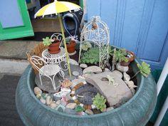 mini salon de jardin fait avec des sea glass | oiseaux | Pinterest