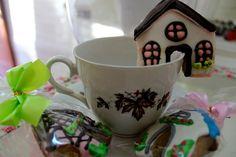 Las galletas alemanas son las más populares al nivel mundial. Omi Gretchen fabrica divinas y lindas galletas alemanas de té para su rica once alemana.