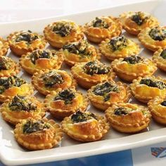 Mini tartlets with snails from Burgundy - - Tapas, Seafood Appetizers, Appetizer Recipes, Kefir Recipes, Cooking Recipes, Escargot Recipe, Mini Tartlets, Snails Recipe, Mini Croissants