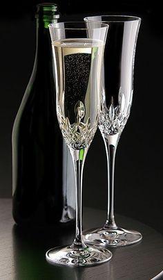Champagne LOVE!