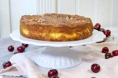Deilig eplekake med vaniljefyll Vanilla Cake, Tiramisu, Ethnic Recipes, Desserts, Food, Tailgate Desserts, Deserts, Essen, Postres