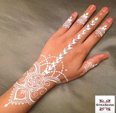 Henna by syraskins More