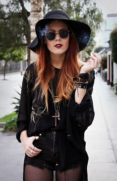 ooh a combo of 90s and goth, awesome!