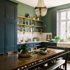 15 kitchen cleaning hacks Absolutely devine kitchen in this beautiful space from Loving the bespoke copper topped table. Green Kitchen Designs, Green Kitchen Walls, Dark Green Kitchen, New Kitchen, Green Kitchen Decor, Green Home Decor, Victorian House Interiors, Victorian Kitchen, Modern Victorian