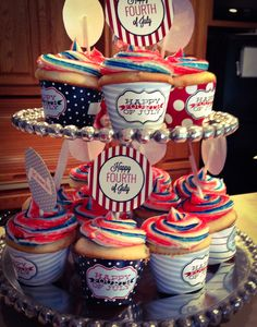 Lisa's amazing 4th of July cupcakes
