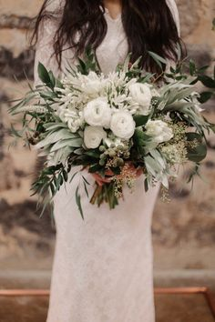 Wedding Bouquet Inspiration - Photo: L.A. Birdie Photography #weddings #weddinginspiration #weddingideas #weddingbouquets