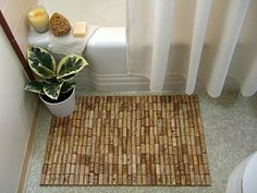 love the cork bathmat. also good for coasters. now, to get all my friends to give me their corks.