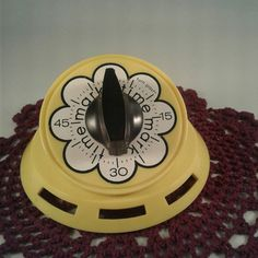 Vintage Mark Time Yellow Flower Power by MercyMeVintageFinds Vintage Kitchen Accessories, Egg Timer, Vintage Kitchenware, Red Green Yellow, Oldies But Goodies, Retro Home, Country Kitchen, Yellow Flowers, Flower Power