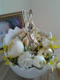 Zajíček ve skořápce / Zboží prodejce bejdzi   Fler.cz Vase, Home Decor, Homemade Home Decor, Interior Design, Jars, Home Interiors, Vases, Decoration Home, Flowers Vase