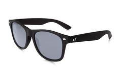 Occhiali da sole polarizzati:  SLANG / BLACK CLASSIC  di Slash Sunglasses http://www.slashsunglasses.com/shop/slang/slang-black-classic.html