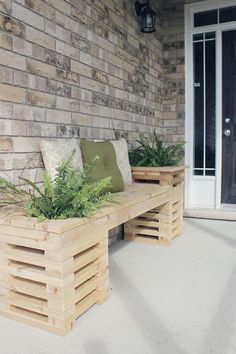 Here are 40 Creative Outdoor Bench DIY Ideas and Tutorials which should be quite helpful when you tackle the task of building your new outdoor bench. and Wood . Read DIY Outdoor Bench Ideas Simple And Inviting Diy Wooden Planters, Wooden Diy, Diy Wood Planter Box, Recycled Planters, Wooden Garden, Ceramic Planters, Cedar Bench, Cedar Wood, Wood Wood