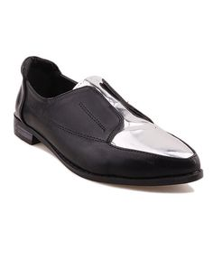 Black Point Toe Flat Shoes with Silver PU Panel