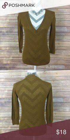 ✨J. Crew Top✨ J. Crew olive green. Thin 55% silk and 45% linen top. Size small.   Need any other information? Measurements? Materials? Feel free to ask! Unfortunately, I am unable to model items!  Don't be shy, I always welcome reasonable offers! Fast shipping! Same or next day! Sorry, no trades!  Happy Poshing!☺️ J. Crew Tops
