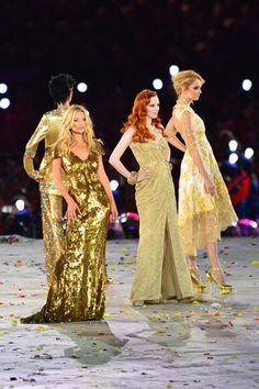 42105e757228 Fashion Gold at the Closing Ceremony Christopher Kane