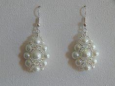 boucles d'oreilles perles de verre rondes nacré toupie cristal swarovski blanc €5.70