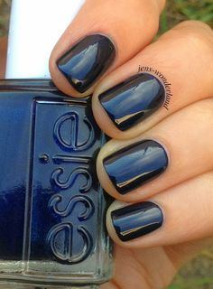 Jen's Wonderland: Essie: Midnight Cami Hair And Nails, My Nails, Nail Colour, Feet Nails, Essie Nail Polish, Perfect Nails, Blue Nails, Winter Nails, Manicure And Pedicure