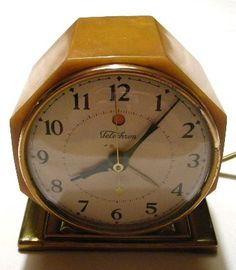 Art Deco antique clocks and collectibles for sale