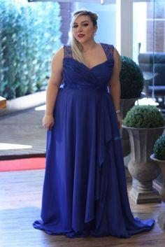 Vestido de formatura azul royal para gordinhas