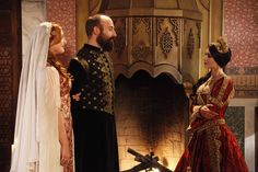 Sultan Suleiman, Haseki Hürrem Sultan and Princess Isabella of Castile (which, though beautiful actress, but there is clearly an extra;))
