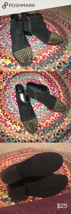 Selling this Black studded toe booties! Steve Madden on Poshmark! My username is: ahaswell1023. #shopmycloset #poshmark #fashion #shopping #style #forsale #Steve Madden #Shoes