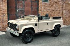 Land Rover Ninety Defender 90, Land Rover Defender 110, Landrover Defender, Cool Vintage, Land Rover Series 3, Best 4x4, Range Rover Classic, Porsche, Off Road