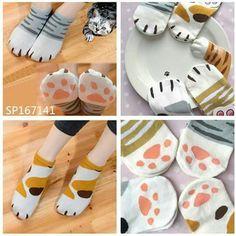 Hermosos calcetas de patitas de gato