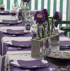 D coration de mariage de val rie et pascal blanc et - Deco violet et gris ...