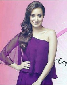 Bollywood Images, Bollywood Fashion, Prettiest Actresses, Beautiful Actresses, Indian Celebrities, Bollywood Celebrities, Shraddha Kapoor Cute, Sraddha Kapoor, Saree Photoshoot