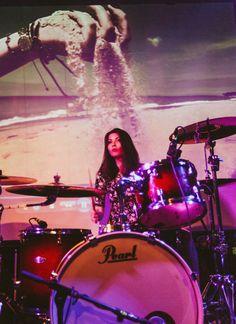 Girl Drummer, Female Drummer, Musician Photography, Concert Photography, Music Aesthetic, Aesthetic Grunge, Hyun Kyung, Drums Girl, Music Mood