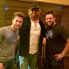 Me and the #swonbrothers hanging at #tobykeith in Auburn Hills MI. #lookalike #wycd #goodguys