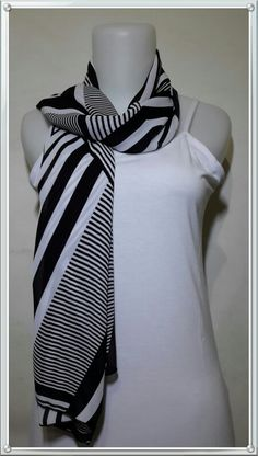 "Nothing can go wrong ""Zi"" scarf"