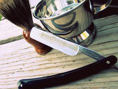 A nice picture of a nice shaving setup. Find your own setup at the @Matty Chuah Art of Shaving