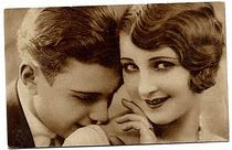 Fine art tips, the premier online resource for the working artist. Fine art tips, marketing and social media advice for the professional & aspiring artist. Vintage Kiss, Vintage Couples, Vintage Romance, Vintage Love, Vintage Music, Vintage Stuff, Vintage Beauty, Vintage Decor, Vintage Pictures