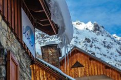 8 Reasons Why Vaujany Is The Perfect Ski Holiday Destination For Couples And Families Best Winter Destinations, Amazing Destinations, Best Ski Resorts, Fun Winter Activities, Ski Vacation, Ski Holidays, Mountain Vacations, Solo Travel, Travel Tips