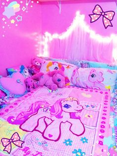 Pink Unicorn, My Little Pony, Unicorn Bedroom, Unicorn Little Princess, Princess Room, Dream Rooms, Dream Bedroom, Girls Bedroom, Unicorn Rooms, Unicorn Bedroom, Kawaii Bedroom, Tout Rose