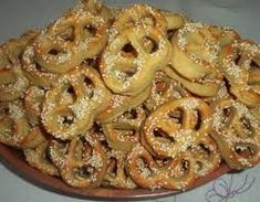 velkonočné recepty - Hledat Googlem Bread And Pastries, Onion Rings, Apple Pie, Macaroni And Cheese, Shrimp, Ethnic Recipes, Food, Basket, Mac And Cheese
