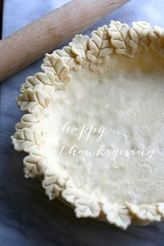 Gorgeous Leaf Edged Pie Crust for Thanksgiving.