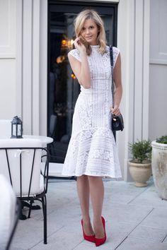 Romantic Summer Looks: 20 White Dress Outfit Ideas - Designerz Central White Dress Outfit, Lace Outfit, Dress Outfits, Outfit Look, Fashion Dresses, Dress Skirt, Dress Up, Paisley, Beautiful Girl Photo
