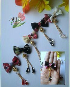 Bros Pita, Bead Crafts, Diy And Crafts, Hijab Pins, Fabric Brooch, Rakhi, Sewing Hacks, Hair Pins, Jewelery